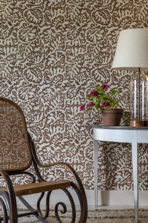 Brown patterned wallpaper in the Italianate palazzo style in 'Majolica' in Gaucho from Telescope Style.